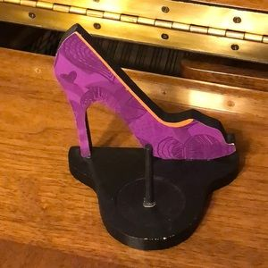 Purple Shoe Ring Holder